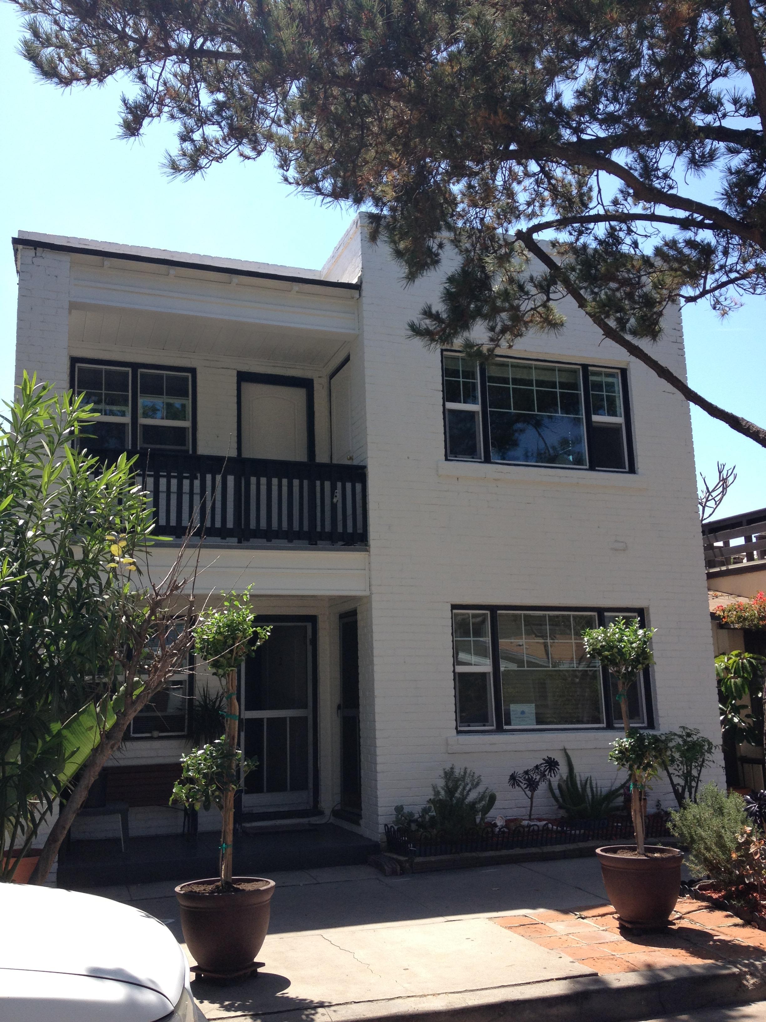 カリフォルニア州海岸沿いのお洒落な住宅